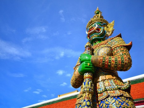 thai-sculpture-from-grand-palace-complex-in-bangkok