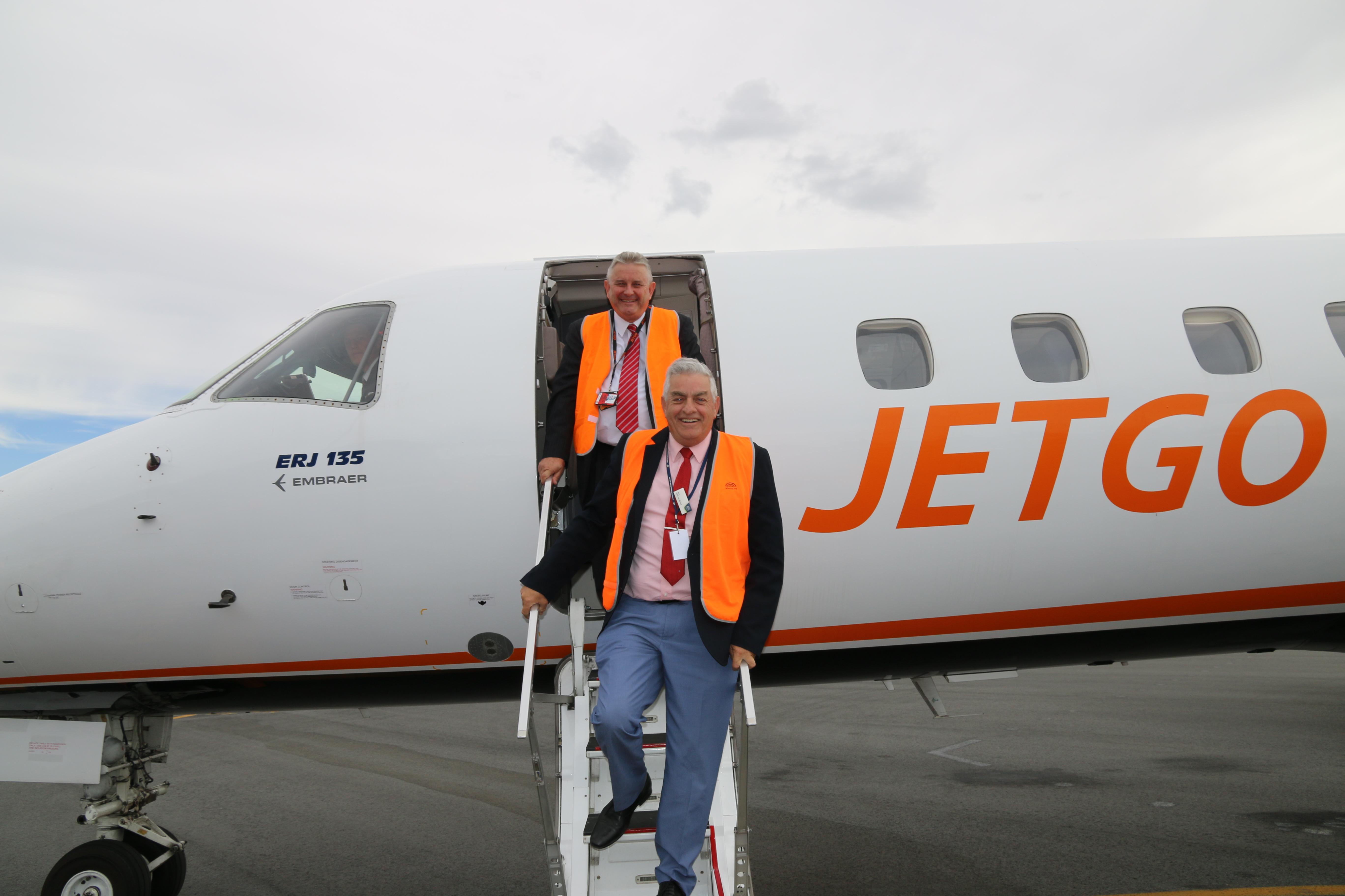 Jetgo - MD Paul Bredereck and AlburyCity Mayor Henk van de Ven