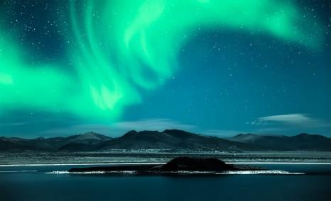 Finland_NorthernLights_shutterstock_187378253