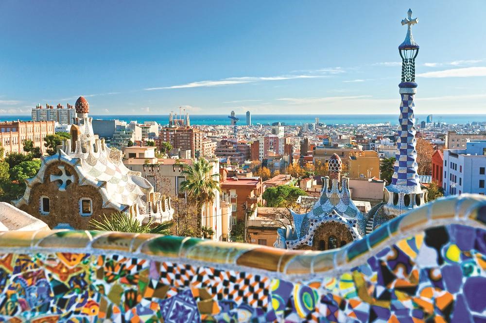 barcelona-parkguel-shutterstock_101032684
