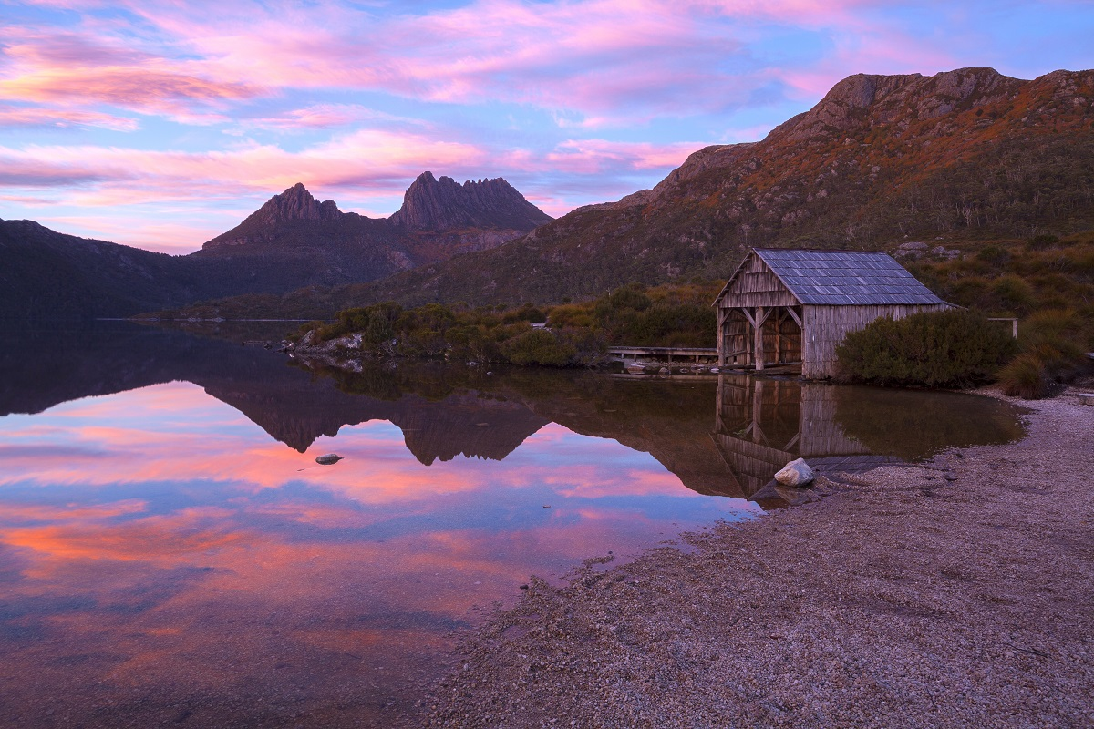 Cradle Mountain and Dove Lake Boatshed at dawn.