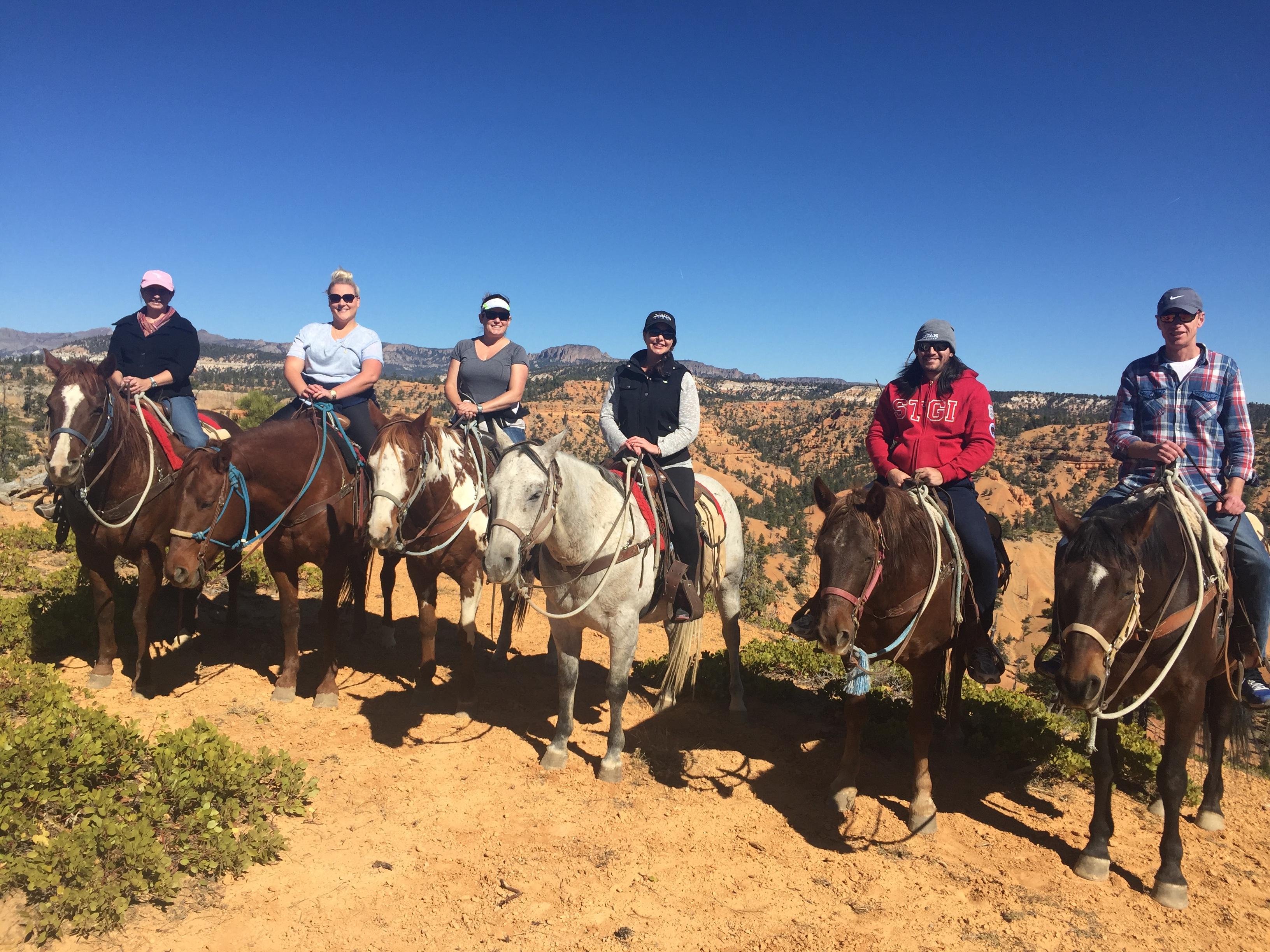 ut-nv-fam-horseback-riding-red-canyon-utah