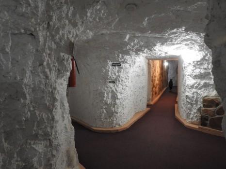 White-Cliffs-Underground-Motel