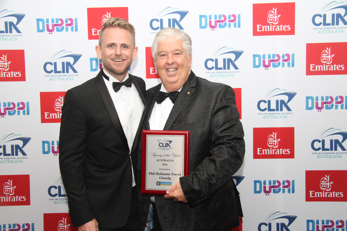 RCI's Adam Armstrong with Aust Silver Agency of the Year winner Phil Hoffmann from Phil Hoffmann Travel