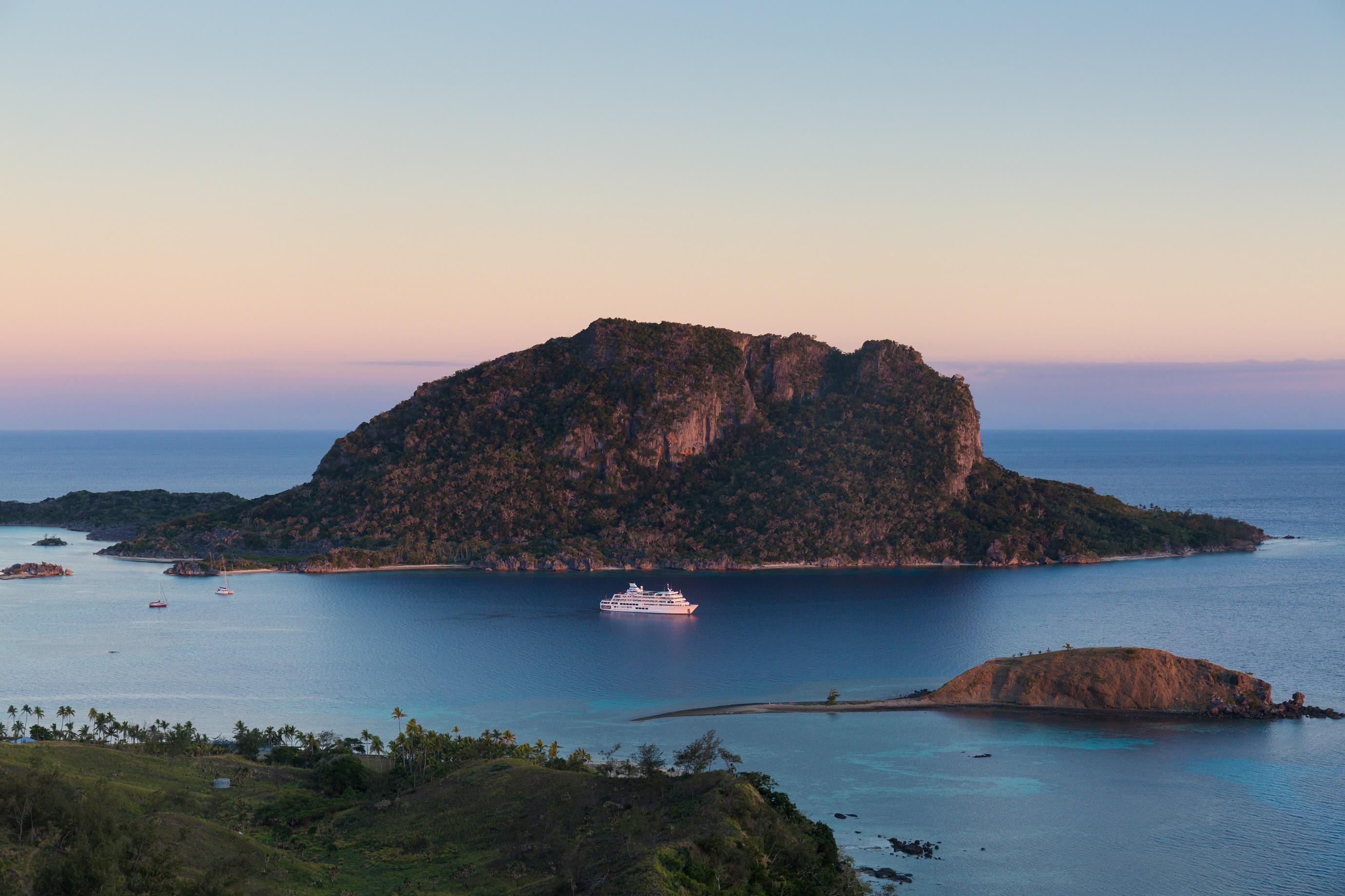 MV Reef Endeavour in Remote Fiji