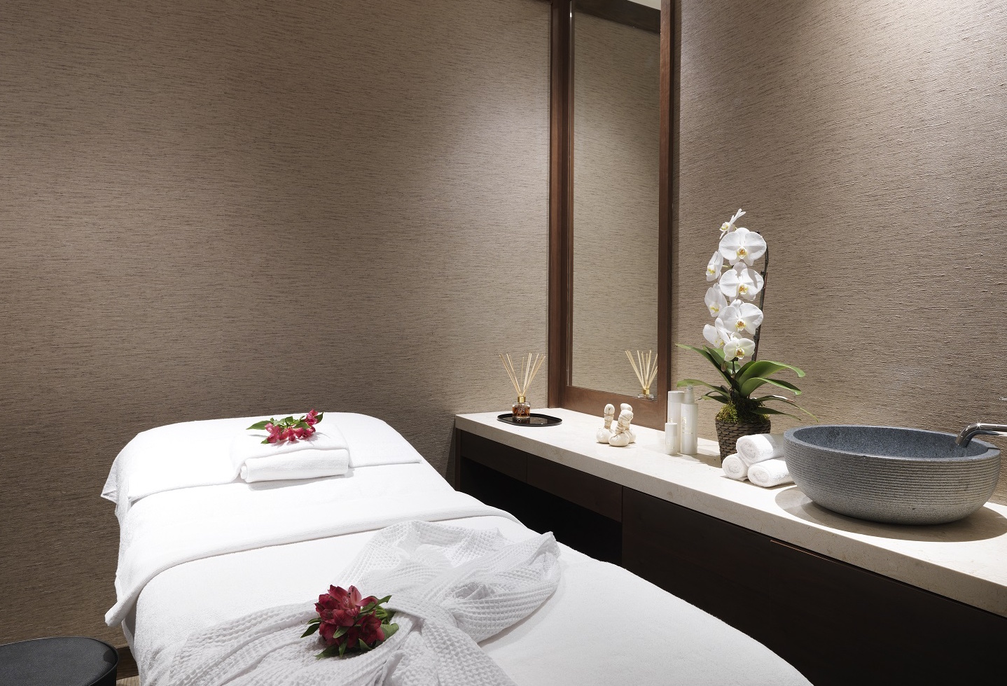 PPL- LHR T2 Arrival - Massage Room 2