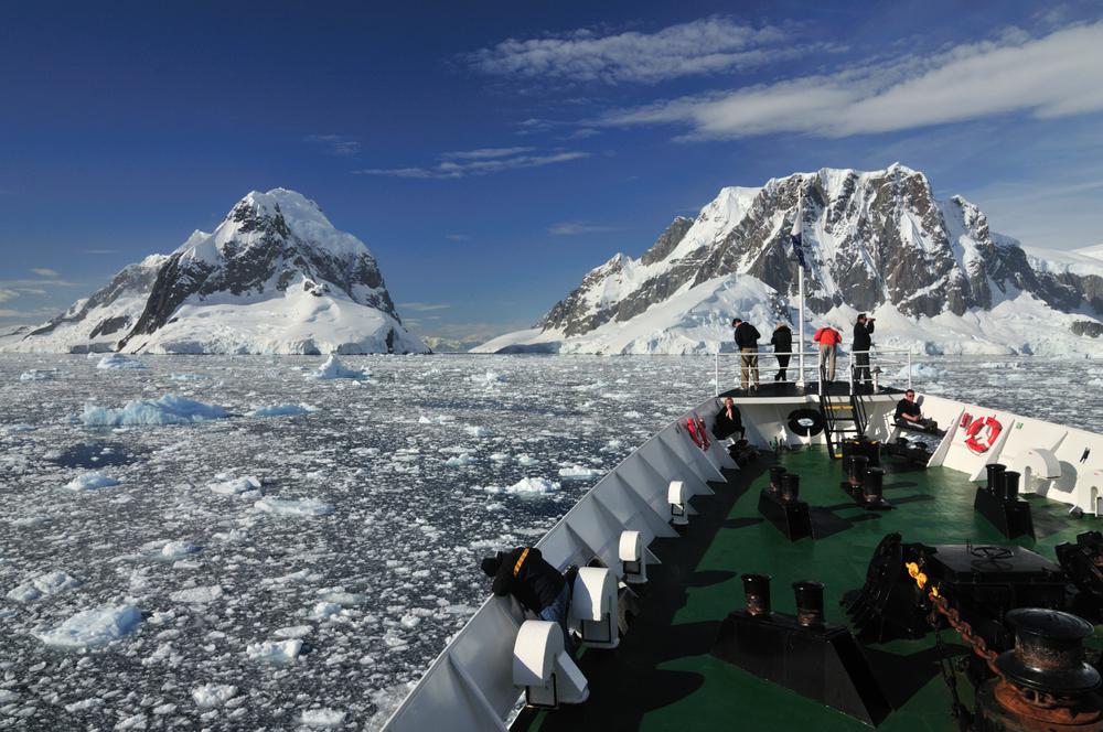 Antarctica_shutterstock_29795515