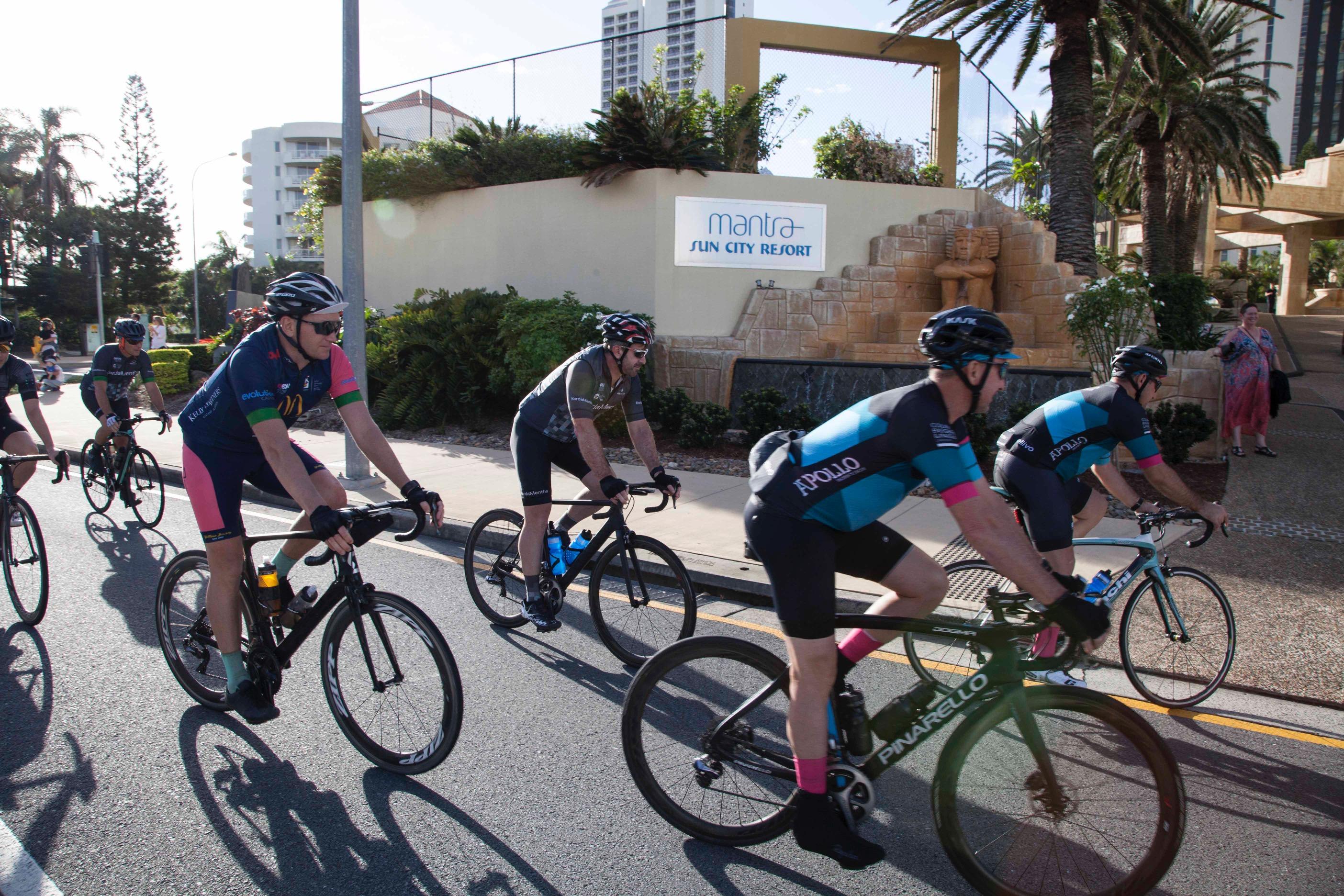 CyclistsarrivingatMantraSunCity