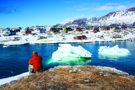 Greenland-Qeqertarsuaq_shutterstock_175031627