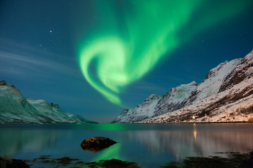 Norway_NorthernLights_shutterstock_134218658small