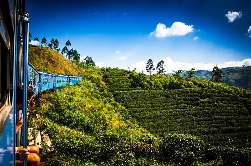 thumbnail_Train Kandy to Nuwara Eliya_shutterstock_554613994