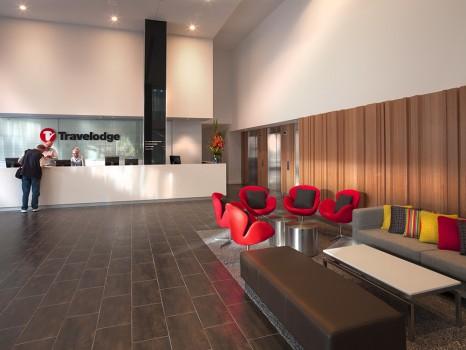 travelodge-docklands-melbourne-hotel-lobby-6-201071123 (1)