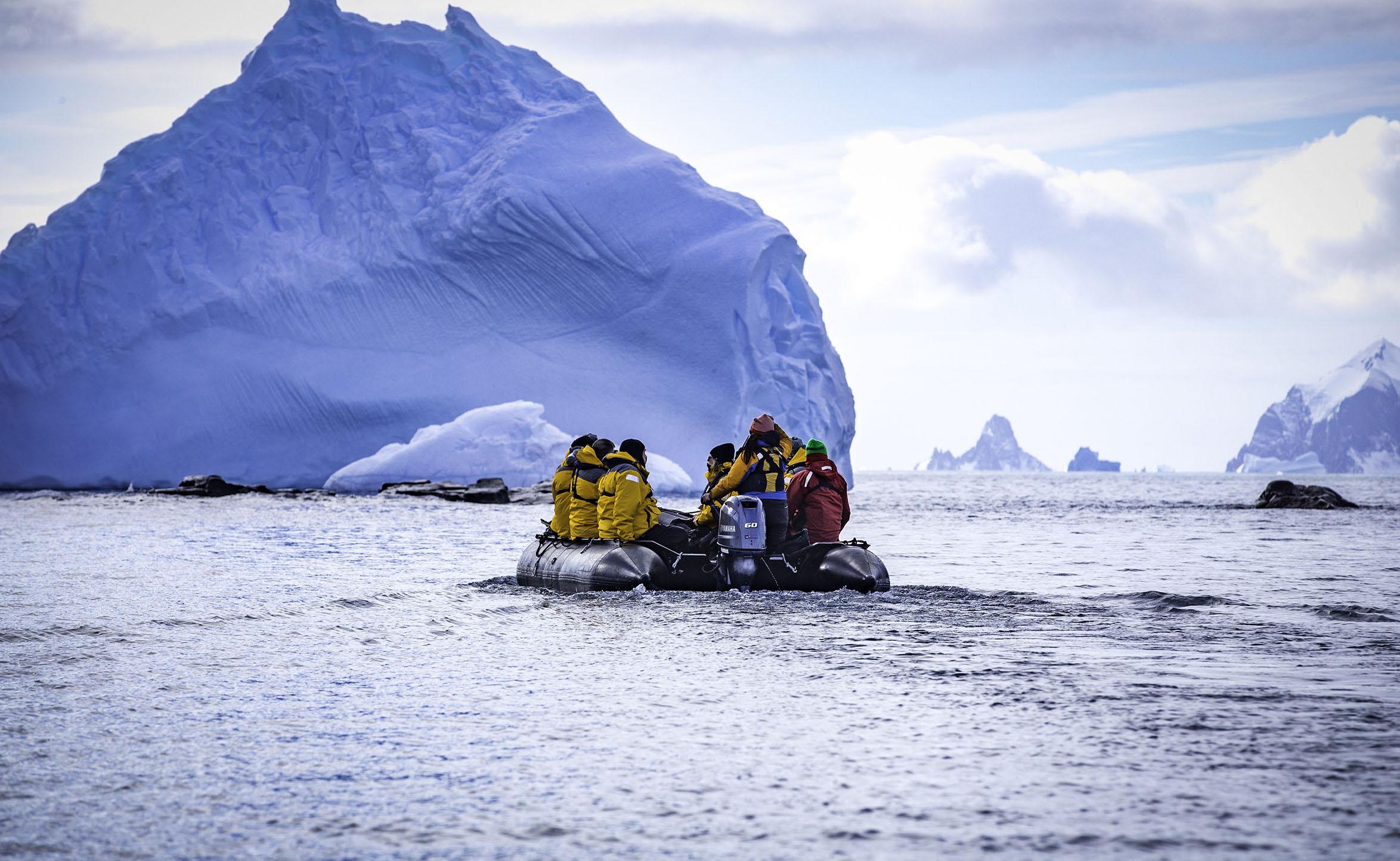 Antarctica_spert Island_passengers on zodiac_sm