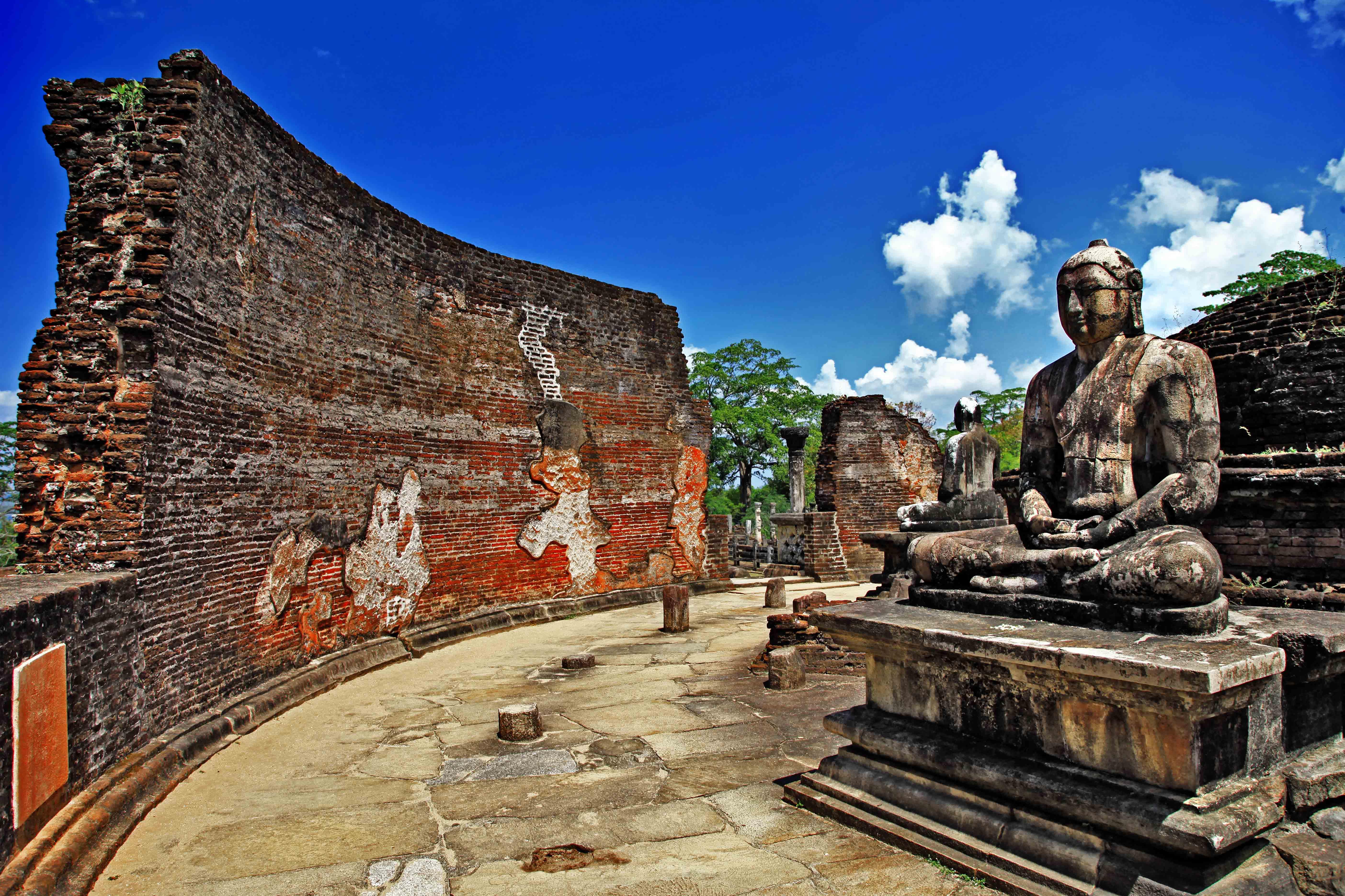 Buddha Statue Polonnaruwa