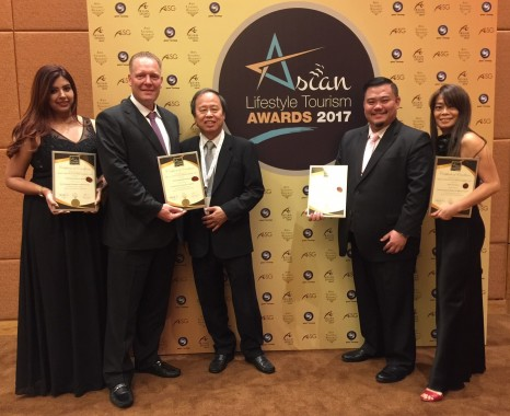 AVANI Sepang Goldcoast Resort team with the awards