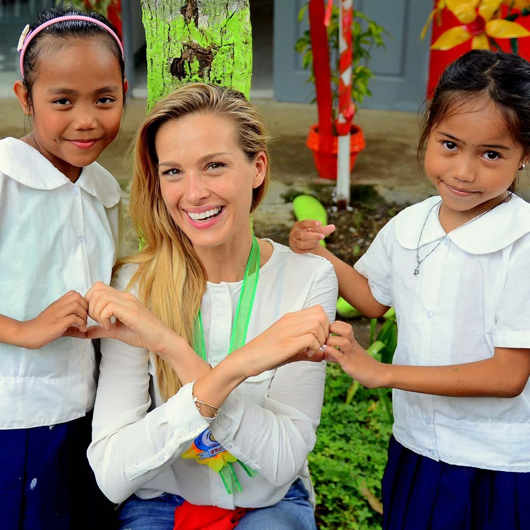 Petra Nemcova and Alangalang students, Happy Hearts Fund