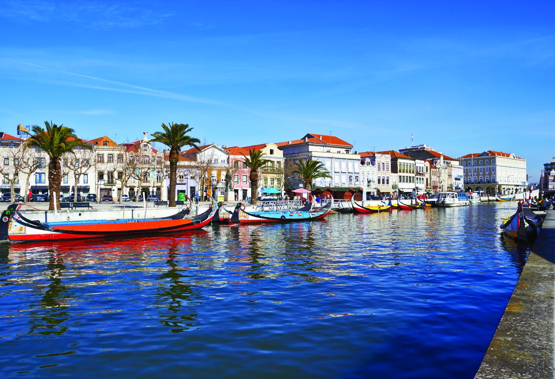 Portugal_Aveiro_Canal_shutterstock_127765247sml-2