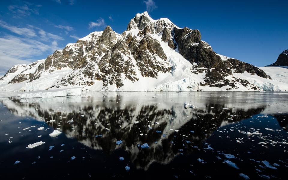 iX_AntarcticaLandscape
