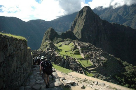 Beautiful_view_of_Machu_Picchu-medium