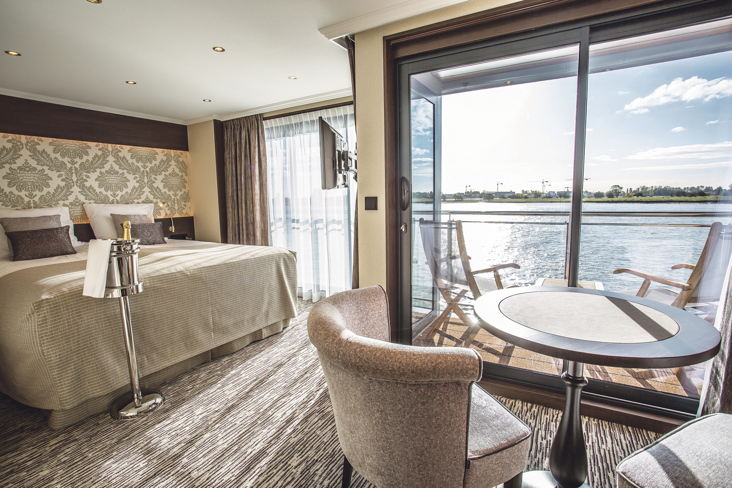 Deluxe suite with outside balcony Thomas Hardy