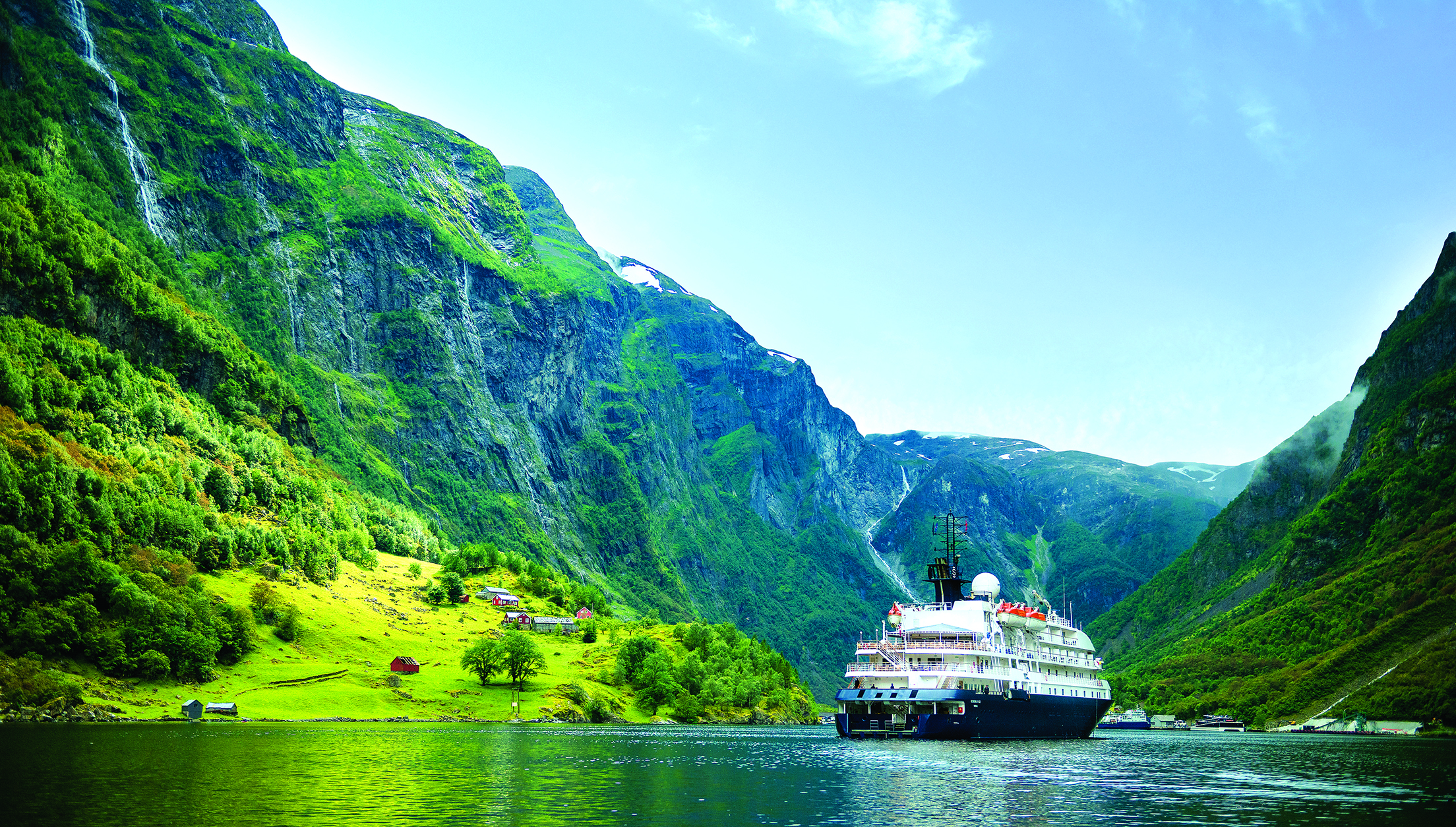 a-eu-norway-hebridean-sky-fjords-welcome_APT-Rushes-7T