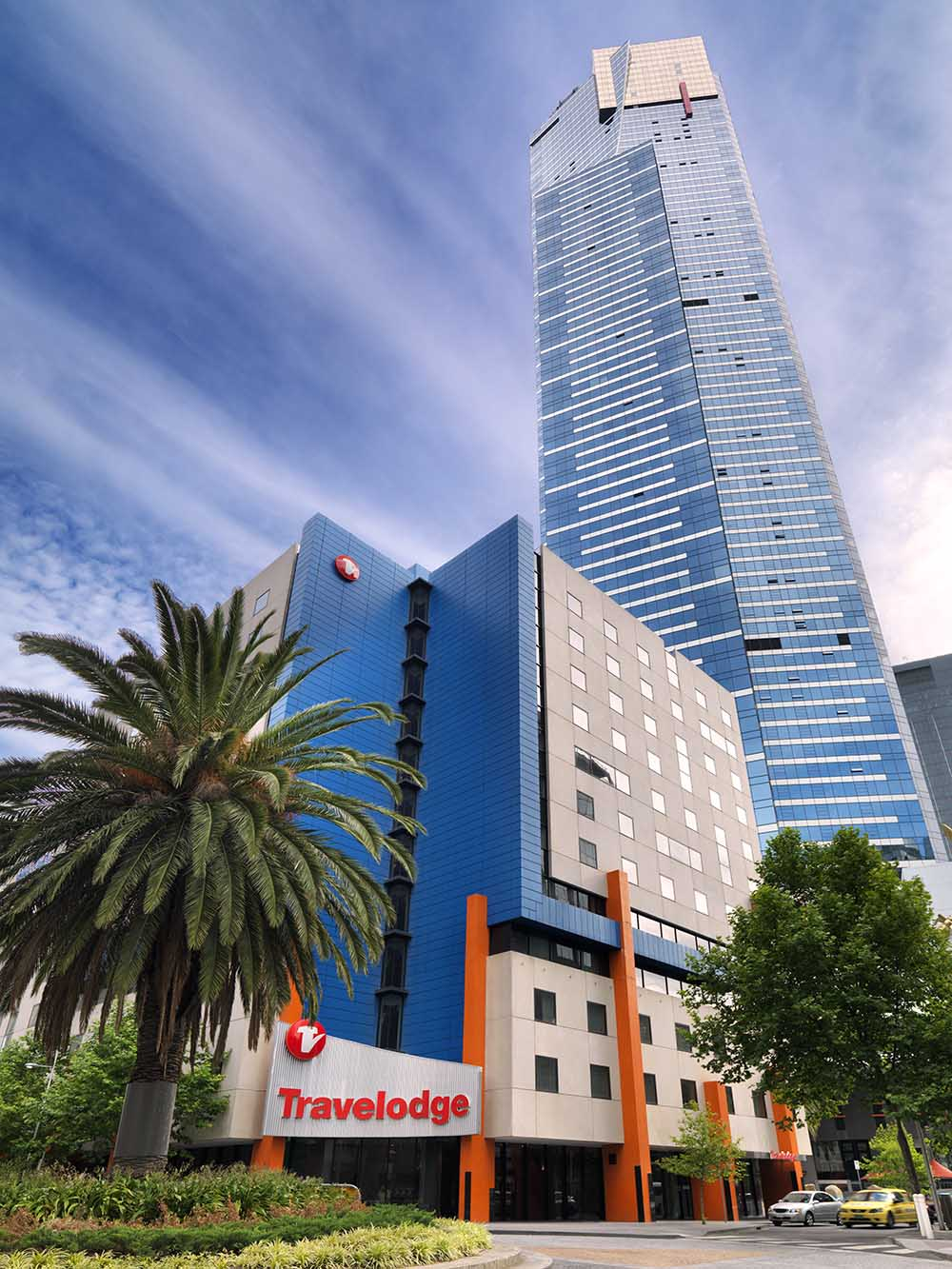 travelodge-southbank-melbourne-hotel-guest-room-exterior-2-2012[1][1]