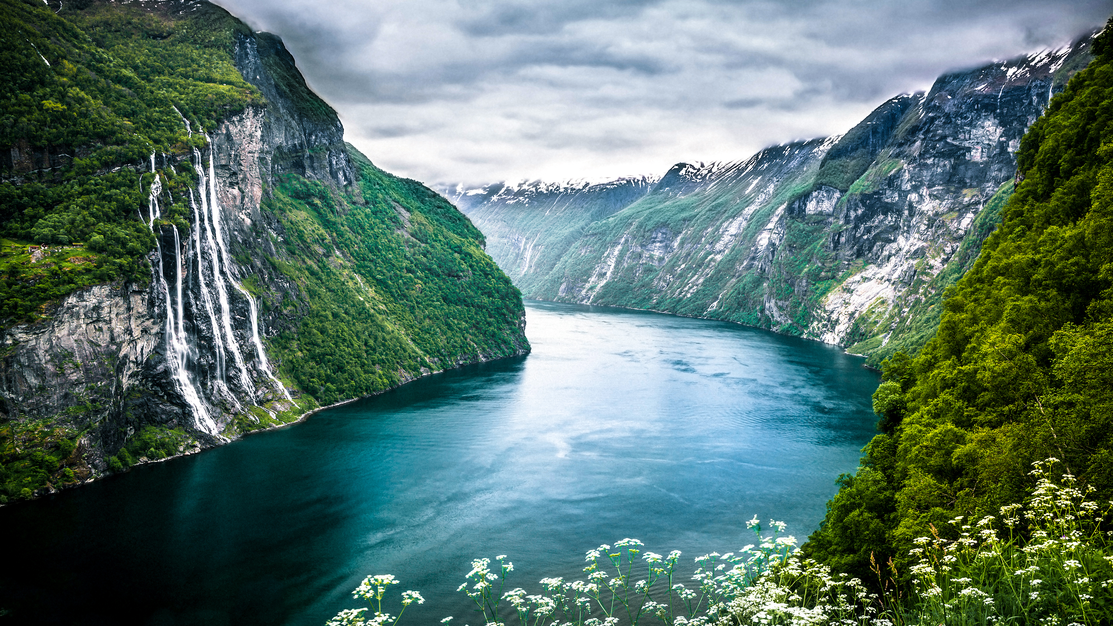 A cool view of a fjord