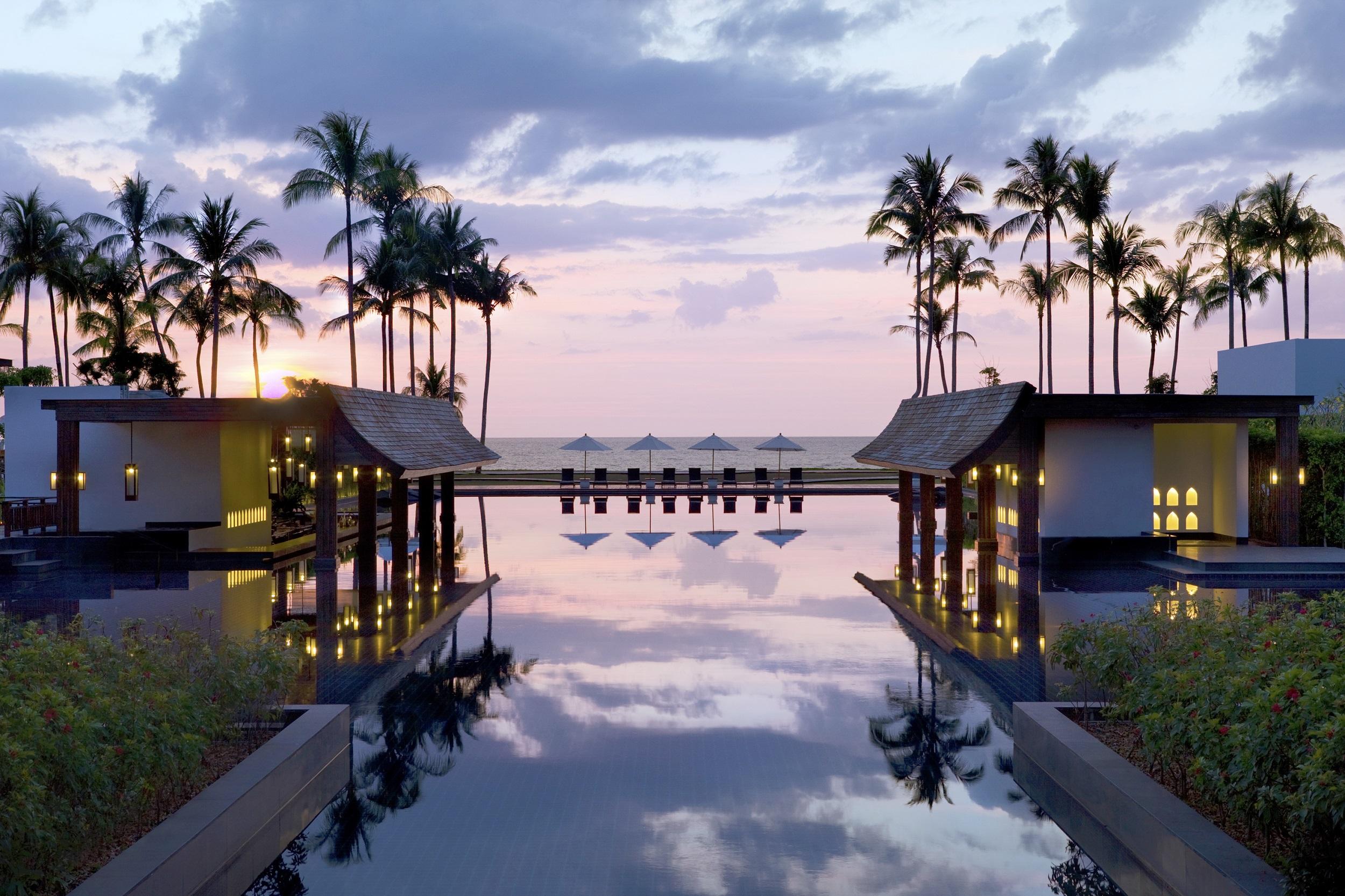 JW Marriott Khao Lak Resort & Spa - Sunset at Infinity Pool