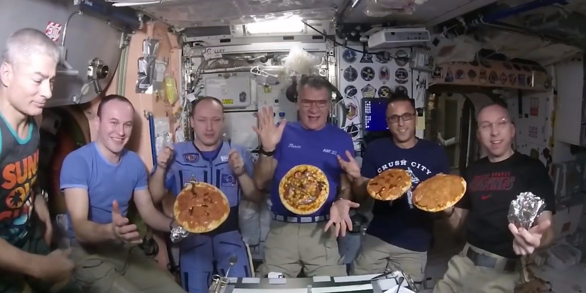 this-is-what-a-pizza-party-looks-like-in-space