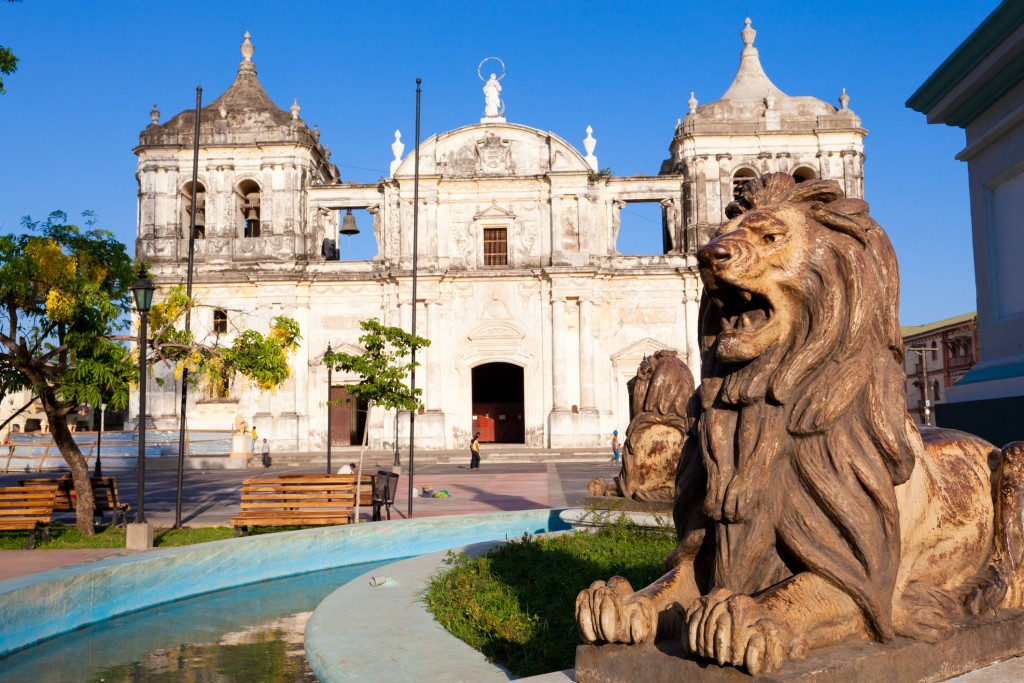 Stone lions in front of Catedral de Lee_n in Nicaragua