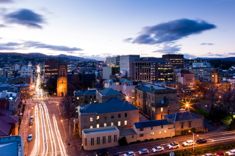 hobart-city-at-night-alastair-bett-2014-community-engagement-feature-750pxx500px