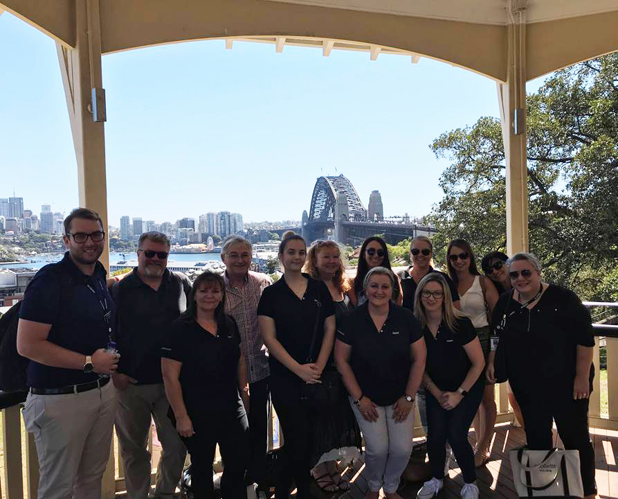 itravel and Collette-Masterclass-28-Feb-2018-Rocks-Walking-Tour-group