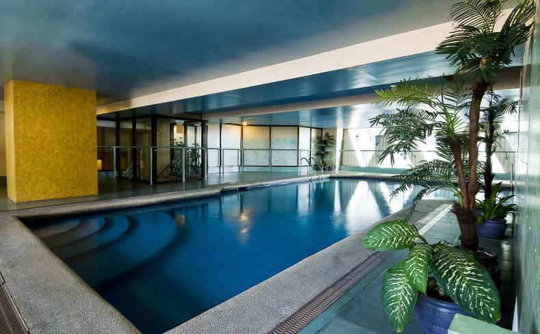 Berjaya-Makati-Hotel_-Recreation - Swimming Pool