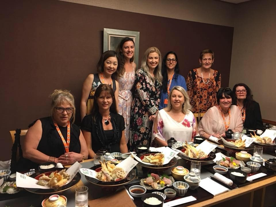 Seated- Traci Webb, Lynda Reid, Chriss Perry, Ester Weiss and Leonie Condor Standing – Yuraki Kato -JAL, Tricia Stevenson, Hayley Cooper, Michelle Barnett and Deb Reilly from MW Tours Reservations