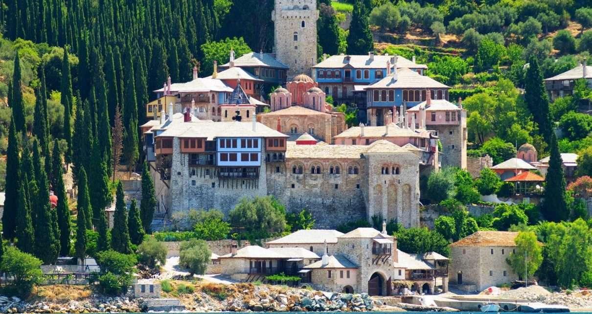the-monastery-of-dochiariou-in-mount-athos-1210x642