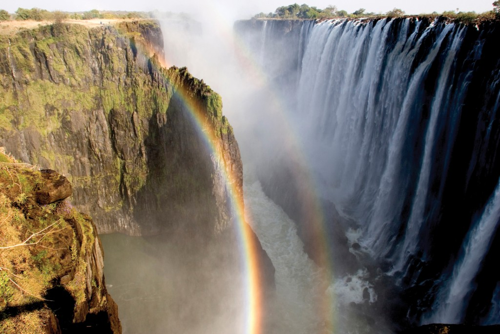 Intrepid Travel-zambia_victoria_falls_rainbow