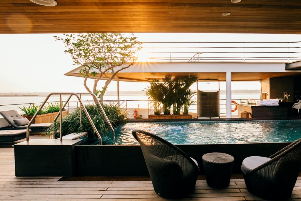 Scenic Spirit, Pool Deck