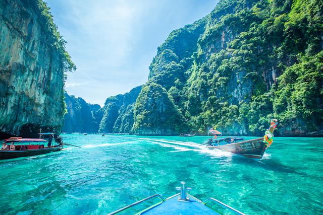 Intrepid Travel-Thailand_Phi Phi Islands_Ryan Bolton2845