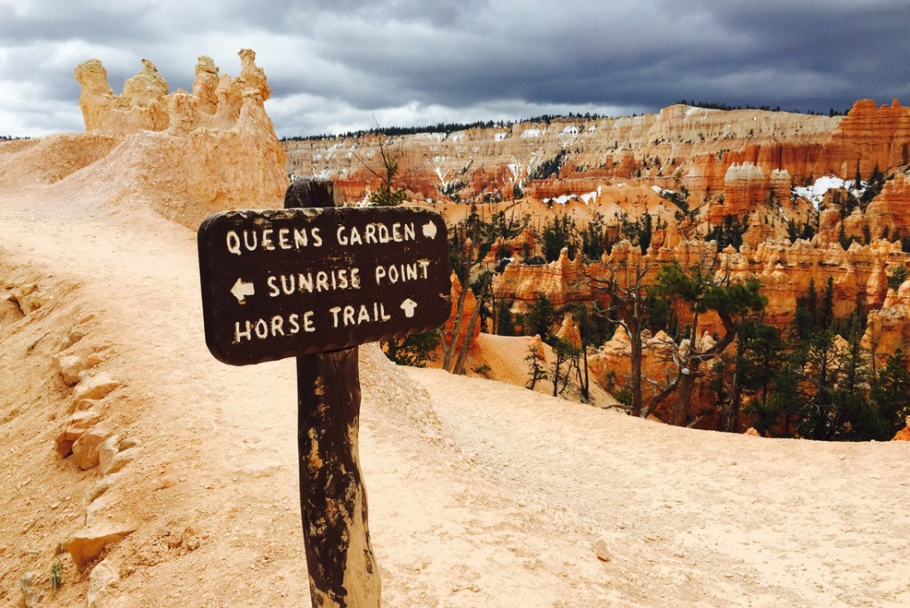 Intrepid Travel-usa_utah_bryce_canyon_sign