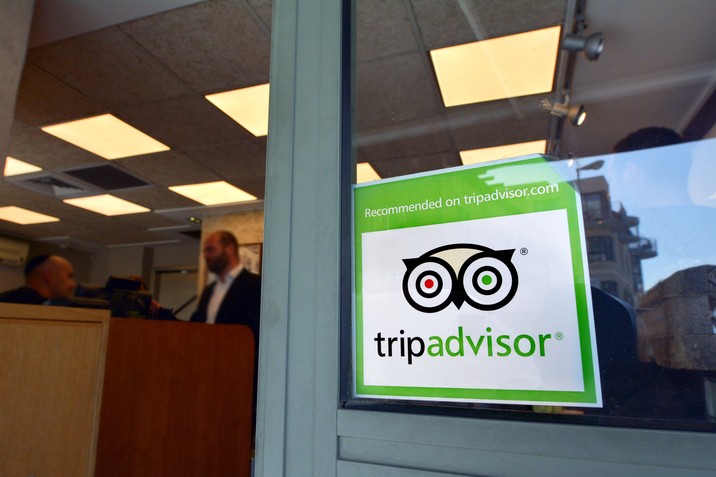 Trip advisor sticker on restaurant window