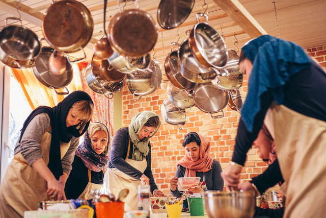 Intrepid Travel-Iran_tehran_cooking_class_HR_049A2278