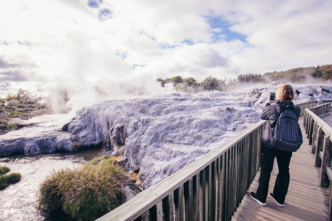 Intrepid Travel-New-Zealand-NZ_rotorua_te-puia_1B2A1264