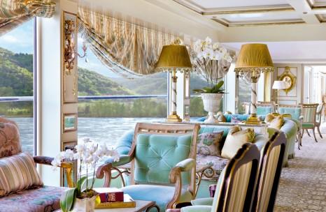 SS Antoinette, Salon du Grand Trianon Lo res