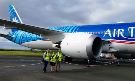 Entire team visit Air Tahiti Nui's new recruit - Copy