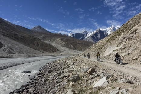 Motorbike tour - Himalayas pic