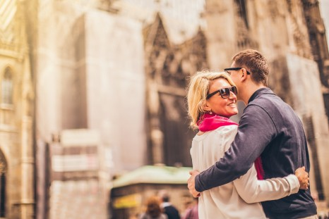 Photo of beautiful couple in front of Stephansdom Cathedral in Vienna