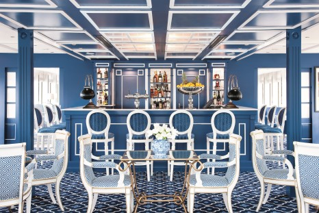 River Queen Lounge