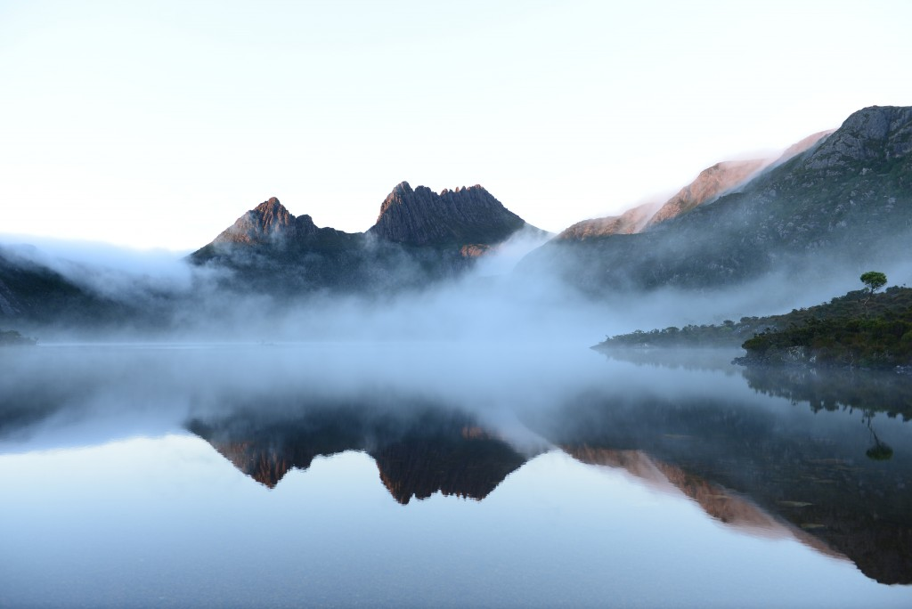 Cradle Mountain during Morning at Dove Lake