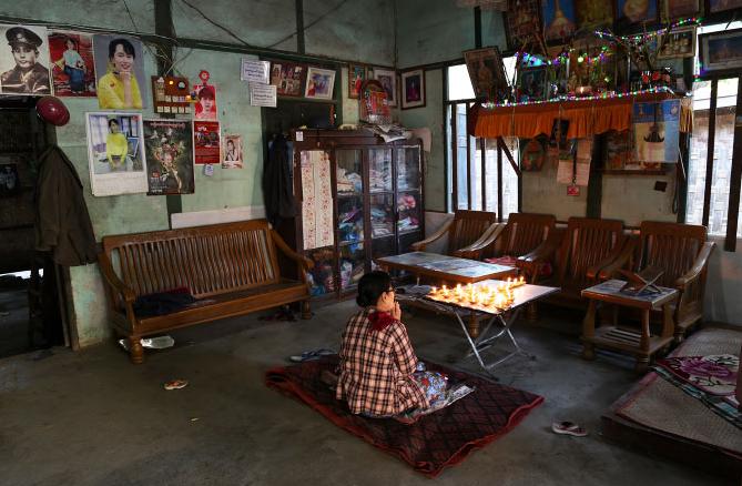 Yagon Myanmar Image by Pascal Mannaerts