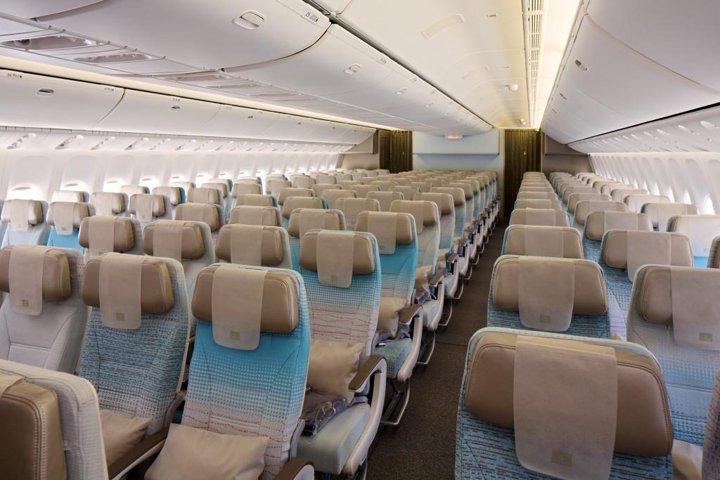 Economy-Class-cabin-on-Boeing-777-300ER (1)